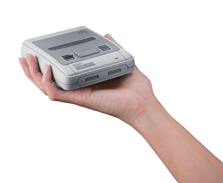 Nintendo Classic Mini SNES  0